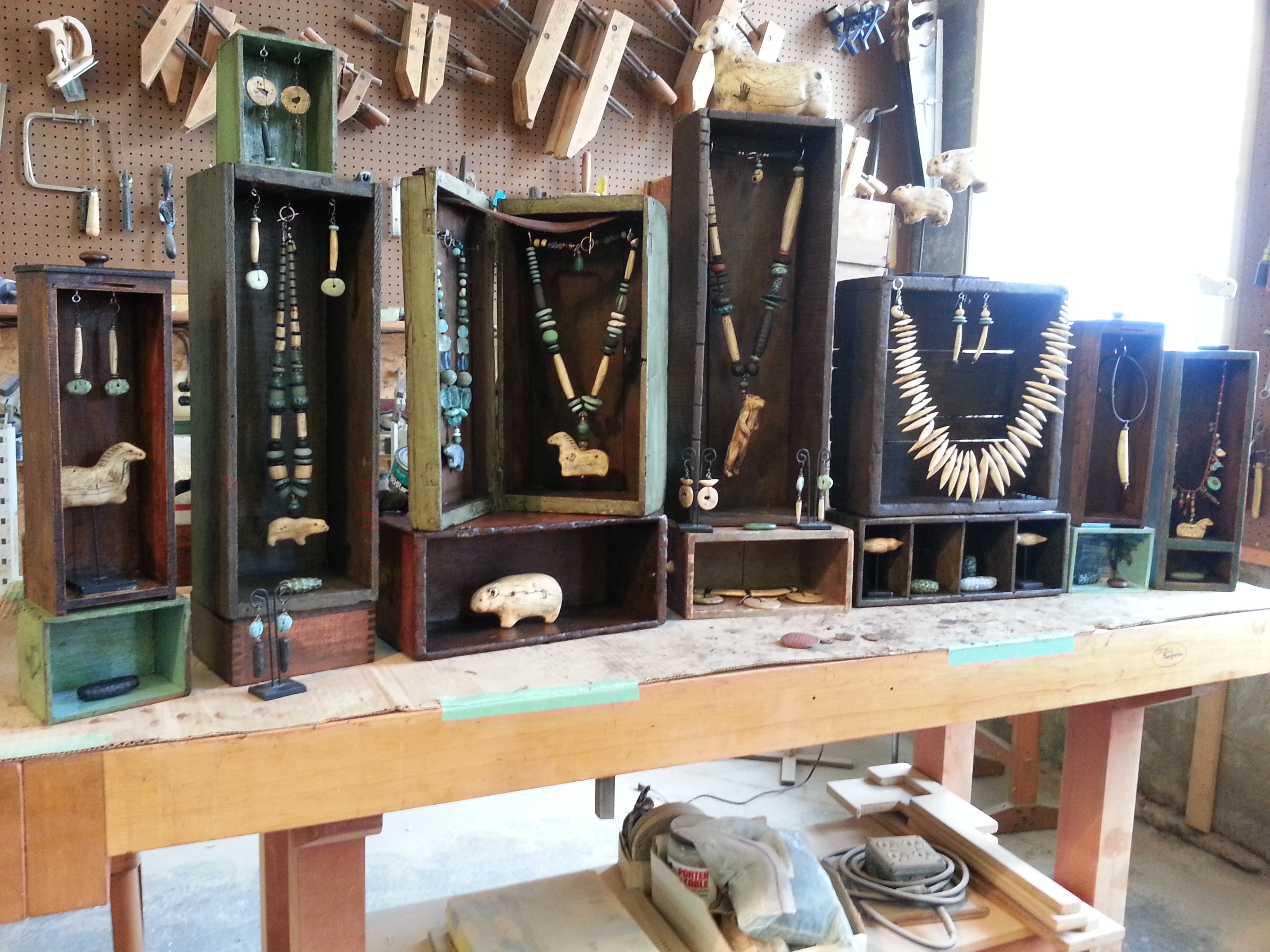 Art and craft shows in new england luann udell for Display necklaces craft fair