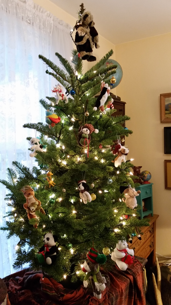 Our first California Christmas tree, decorated with stuff I found at area thrift shops.