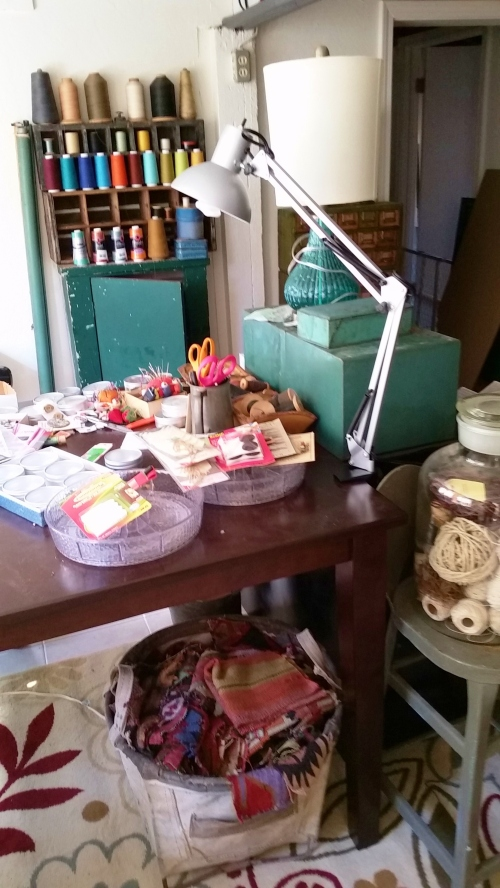 Still sorting my sewing tools and stuff, so please do not look at the messy table top. (I can tell you're looking.)